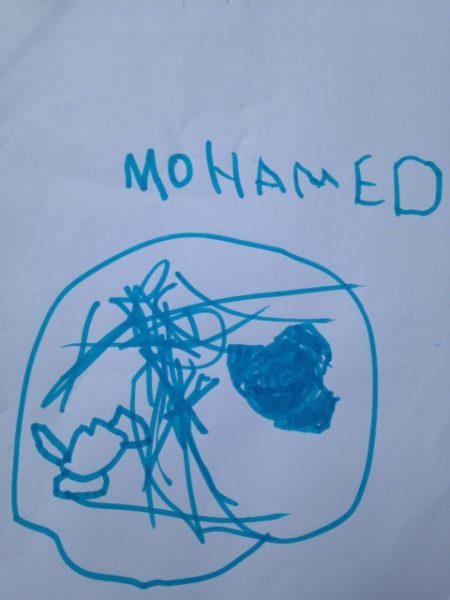 Mohamed, 6 ans, passionné de combats de toupies