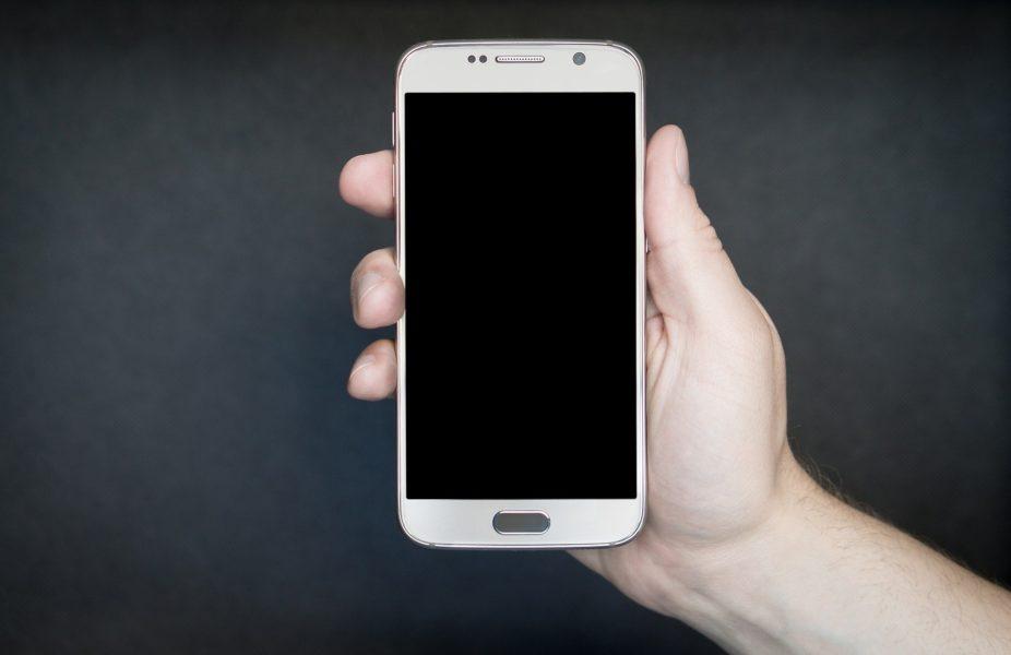 Etre une ado sans téléphone portable ?