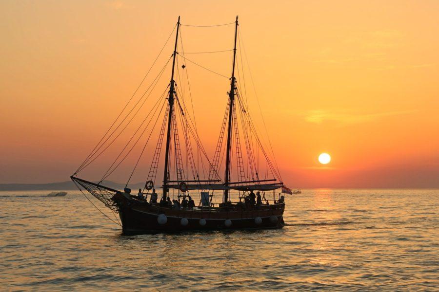 Voyager sur un voilier et apprendre à être matelot