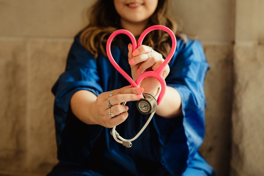 Devenir infirmière pour aider les enfants